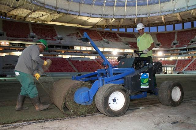 Instalação da grama no estádio Nacional deve durar 4 dias