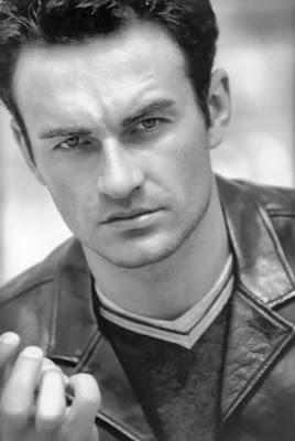 Julian Mcmahon actores de cine