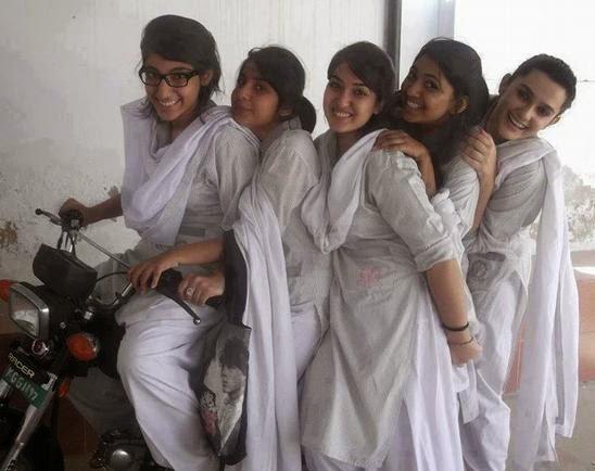 Pakistani Desi girls
