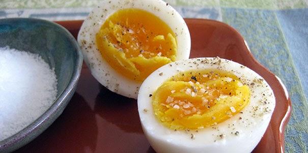 hur mycket väger ett kokt ägg