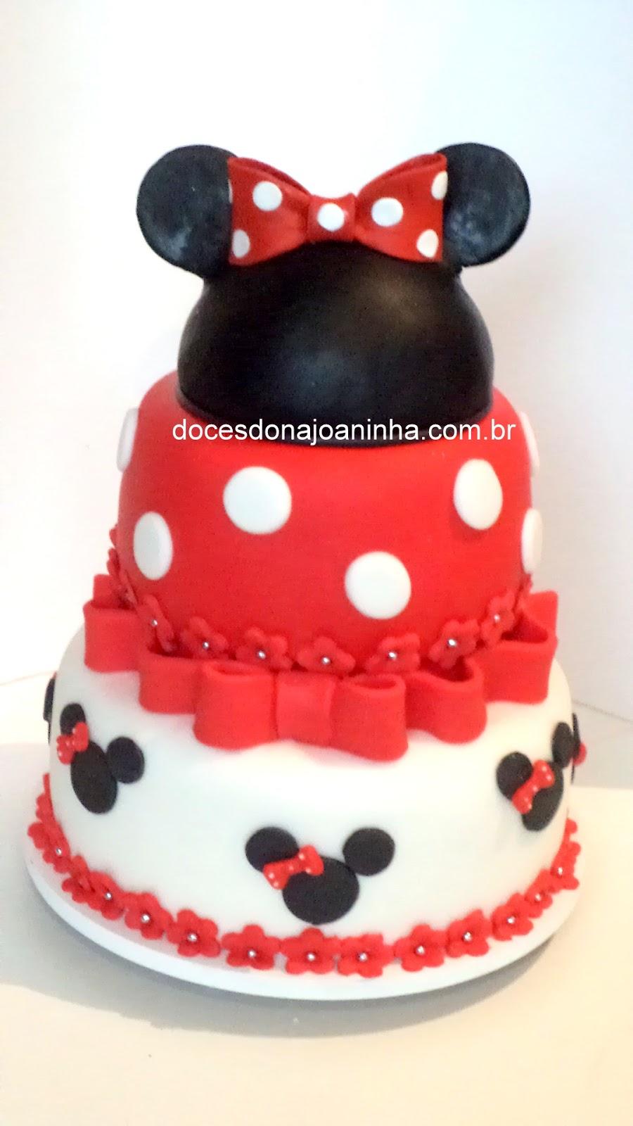 Bolo Minnie Vermelha com 3 andares