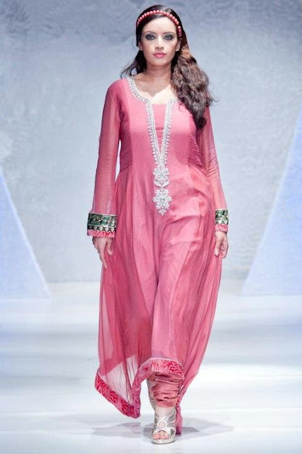 Pakistani-Women-Clothes
