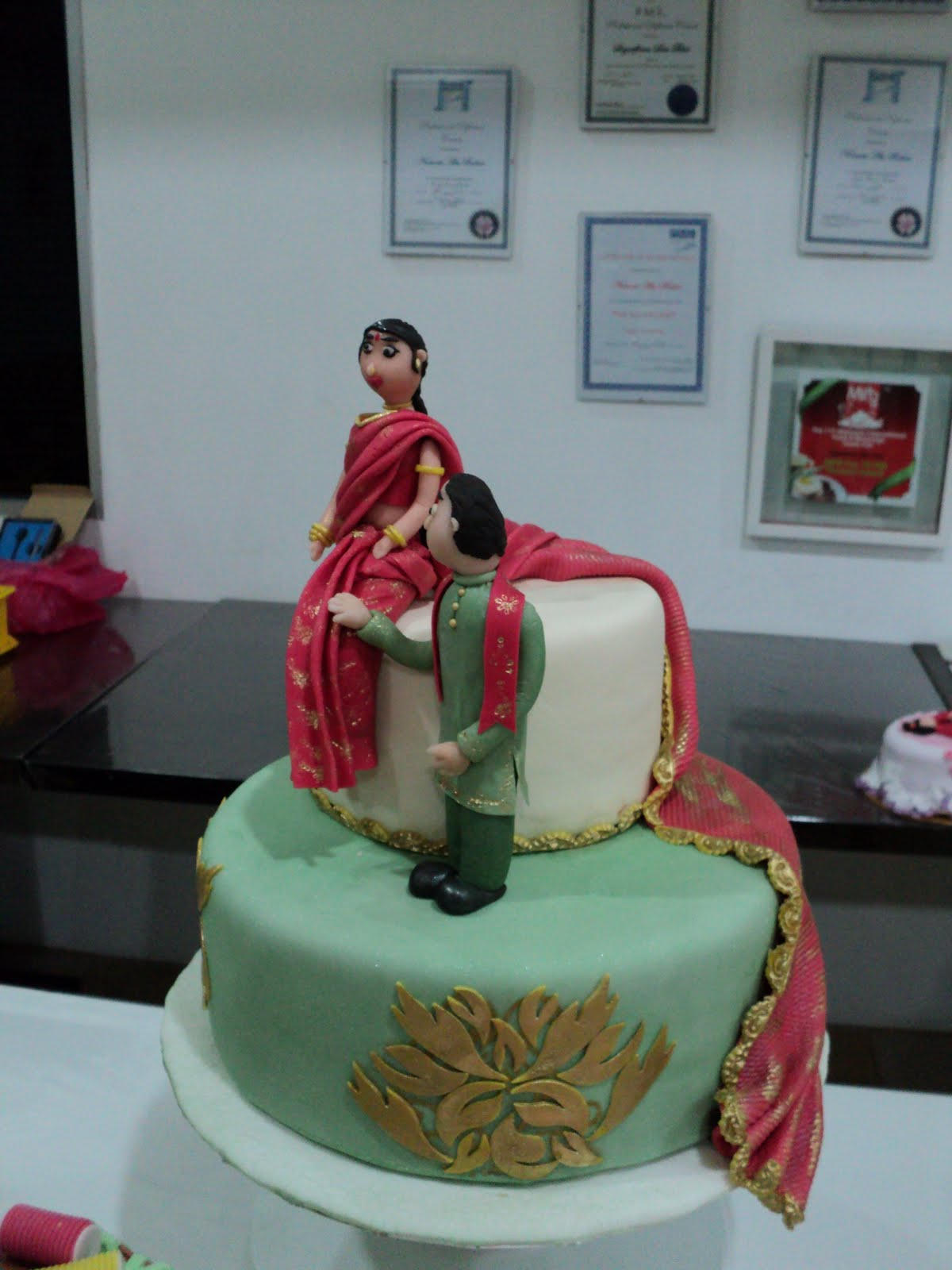 Indian Wedding Cake With Glitz And Glamour