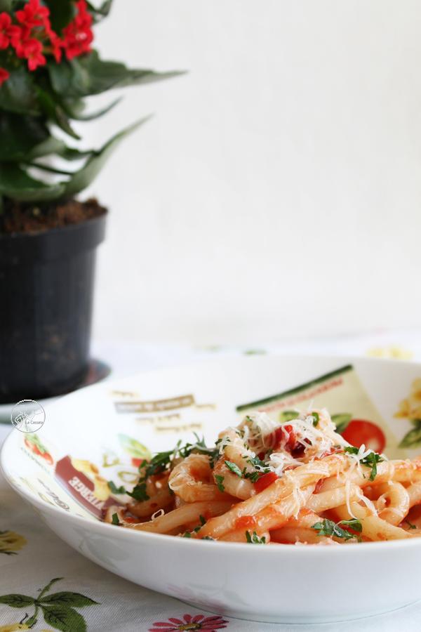 pici aglio, olio e peperoncino (anche senza glutine)