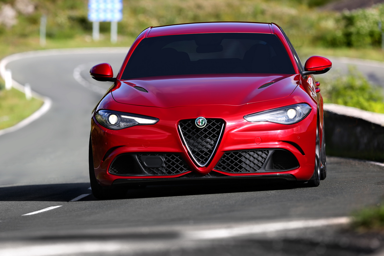 alfa romeo s 510hp giulia quadrifoglio priced from 79 000 in italy laps ring in 7 39 carscoops. Black Bedroom Furniture Sets. Home Design Ideas