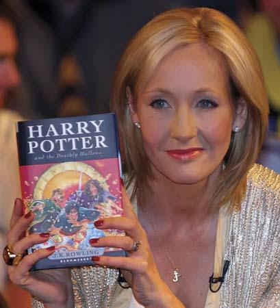J. K. Rowling publicará um romance para adultos