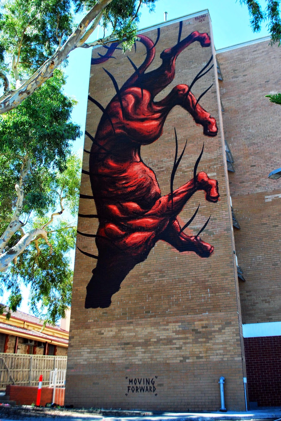 While you discovered his first Australian piece a few days ago (covered), JAZ just wrapped up yet another massive piece on the streets of Perth, Australia.