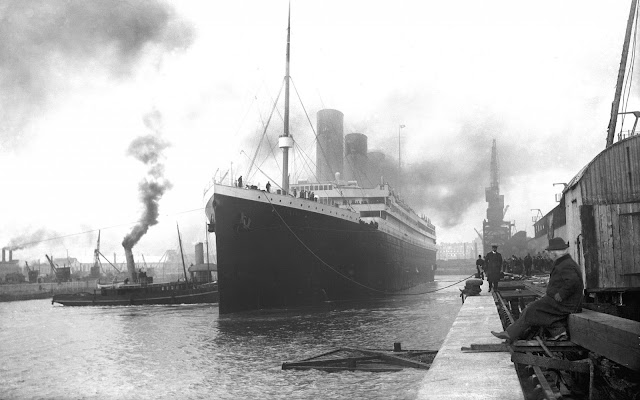 Foto del RMS Titanic en el Muelle