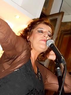 Fatima Guedes emocionou Niterói no Gracioso.
