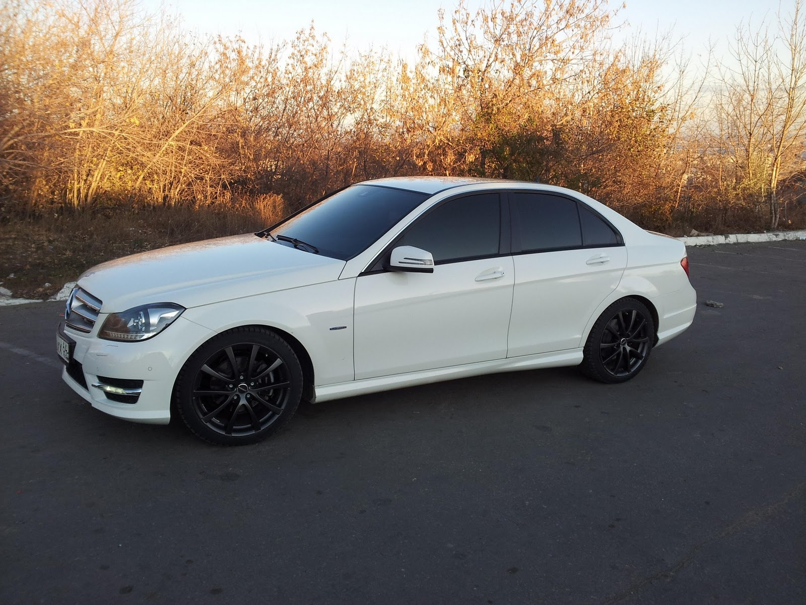 Mercedes benz c class w204 on r18 borbet wheels benztuning for Mercedes benz with rims