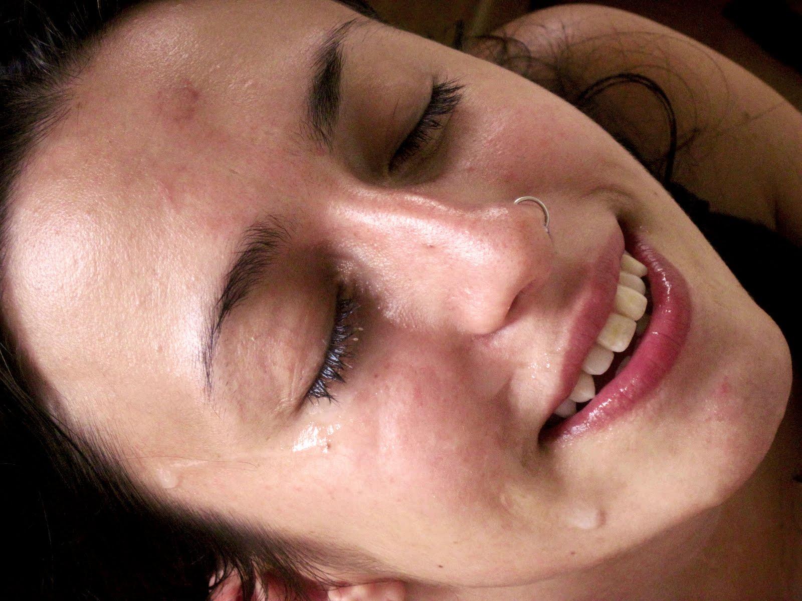 http://4.bp.blogspot.com/-EVEntFxQYmg/TgzgeptluoI/AAAAAAAAAKo/eJBtoDunucc/s1600/happy%2Bpeople%2Bfucking%2Bblissful%2Bfacial%2B2.jpg