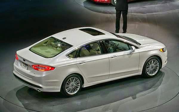 A linha 2015 do Ford Fusion acrescenta novos equipamentos