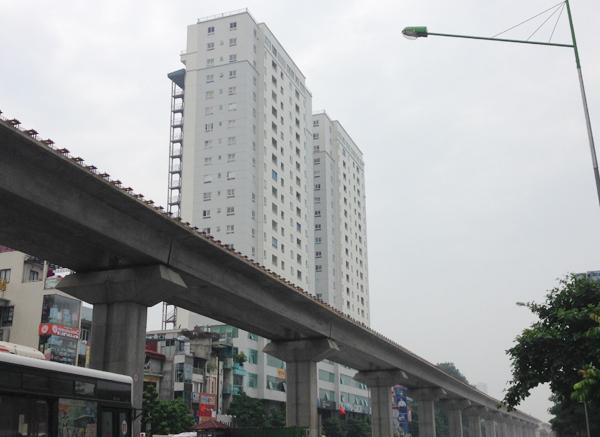 những bất lợi của chung cư nằm sát mặt đường