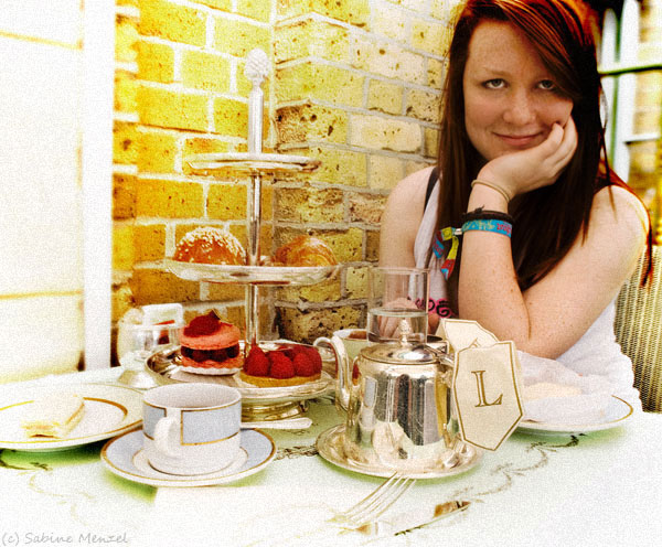 Psynopsis Sarah at Ladurée Tea Room Covent Garden Market London