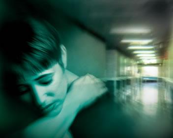 'Amaran awal mahu membunuh', KUALA LUMPUR: Pesakit skizofrenia yang gagal mendapat rawatan berisiko tinggi membunuh anggota keluarga, malah sudah memberi amaran awal akan melakukan perbuatan itu.