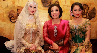Model Kebaya Pengantin Muslim Amy Atmanto Artis Angel Lelga