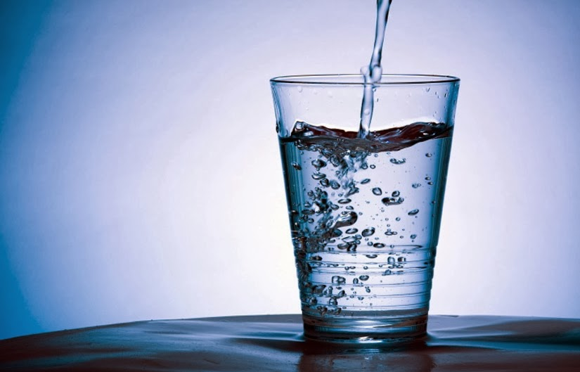 minum air 3 liter setiap hari