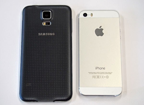 Compare Phones Samsung Galaxy S5 And IPhone 5S 1
