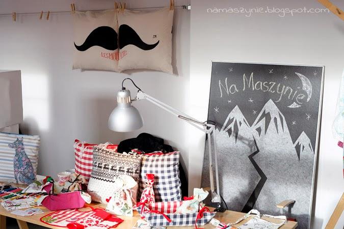 kiermasz, świąteczny, I love hand made, konkurs, Kiermasze, na prezent, Fartuszek kuchenny, dla dzieci, poduszka z ogonem, kredownik, Piórnik,