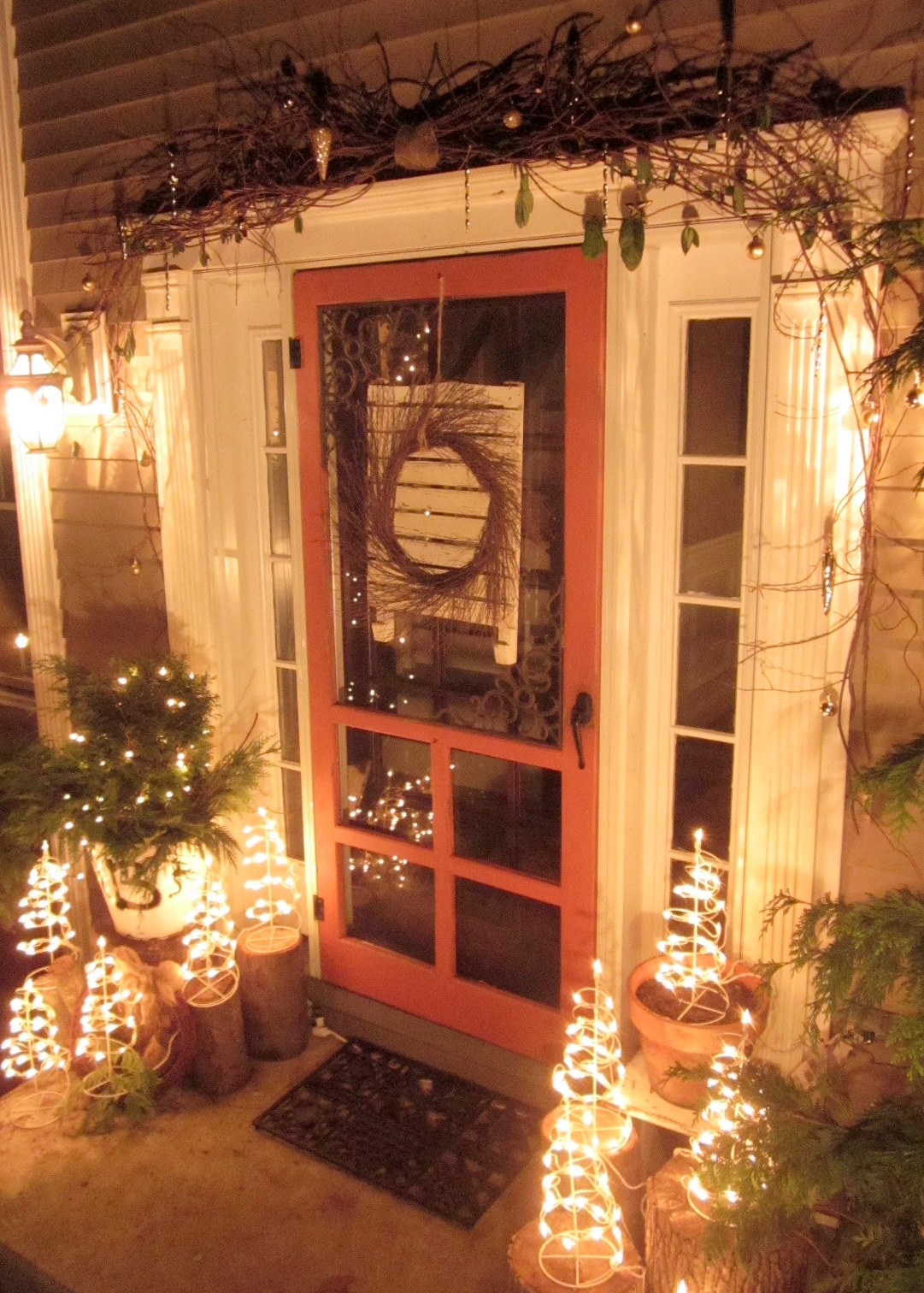 down to earth style rustic christmas porch. Black Bedroom Furniture Sets. Home Design Ideas