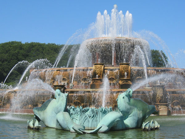 when was buckingham fountain built