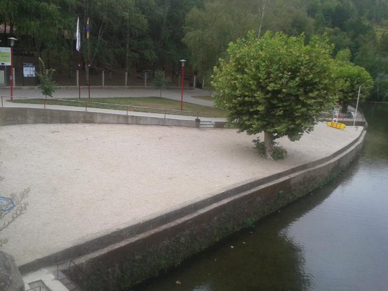 Areal da Praia Fluvial de Vila Cova