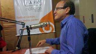 """Dr Hector Parra Leal,invitado al Programa Radial """" En Equilibrio"""" que se transmite por el dial 870 am. Anfitriones  Ruben Lucena y Yamileth Lucena."""