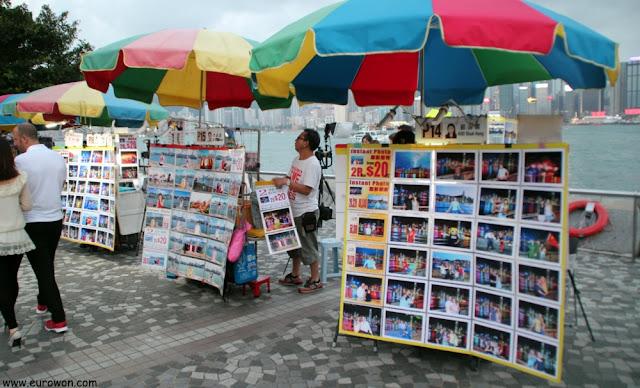 Fotógrafos en la Avenida de las Estrellas de Hong Kong