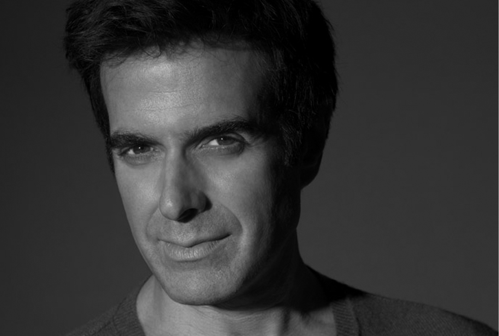 david copperfield Official website of illusionist david copperfield with tour information, videos, biography, and more.