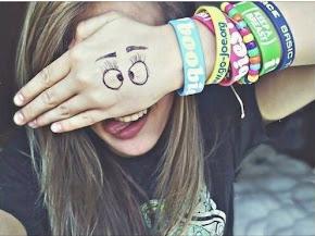 """Secarse las lágrimas, respirar profundo, levantar la mirada, y con una sonrisa decir """"estoy bien""""."""