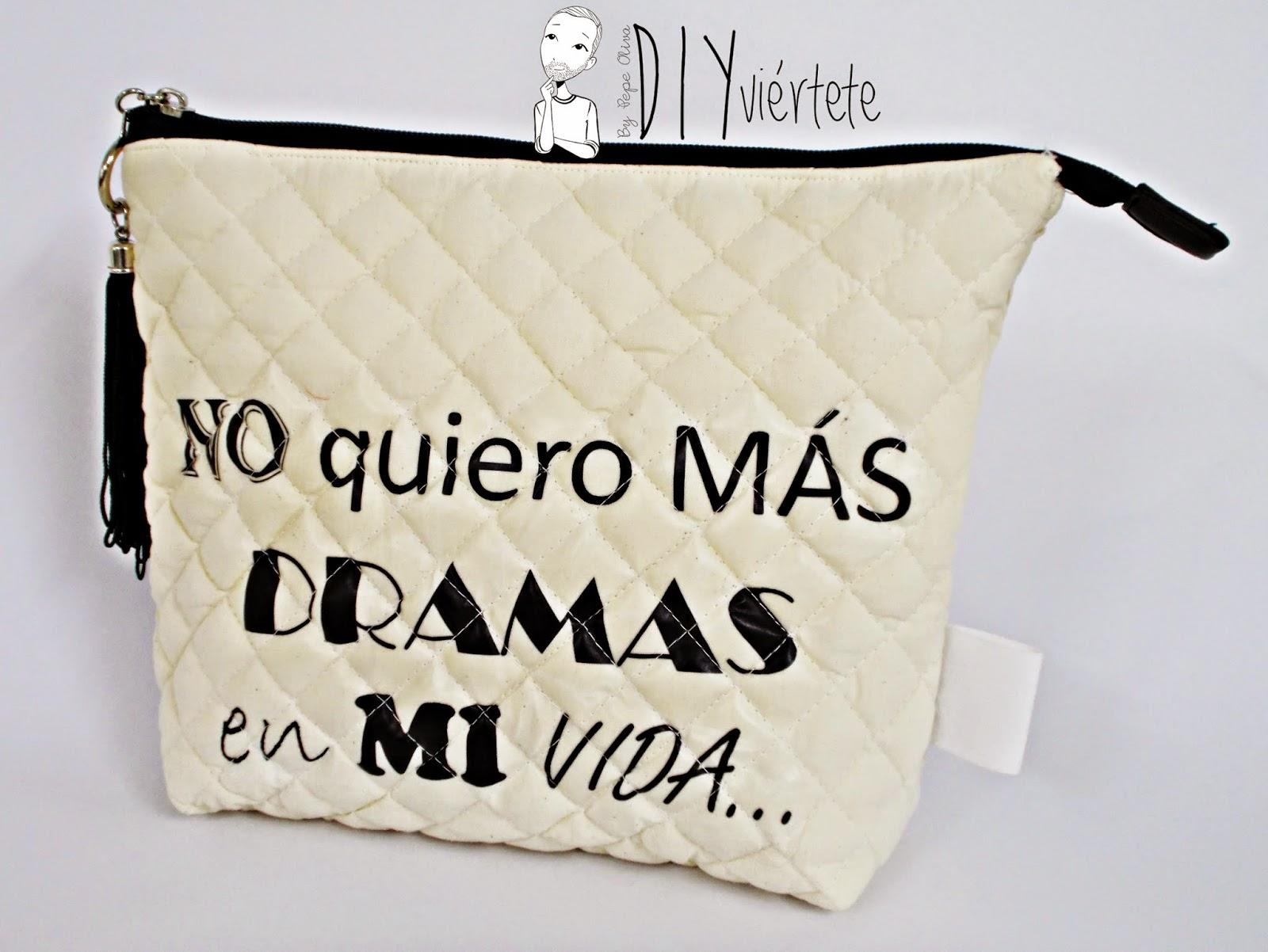 DIY-costura-clutch-cartera-neceser-bolsito-monedero-letras-fangoria-dramas y comedias-frases- (1)2