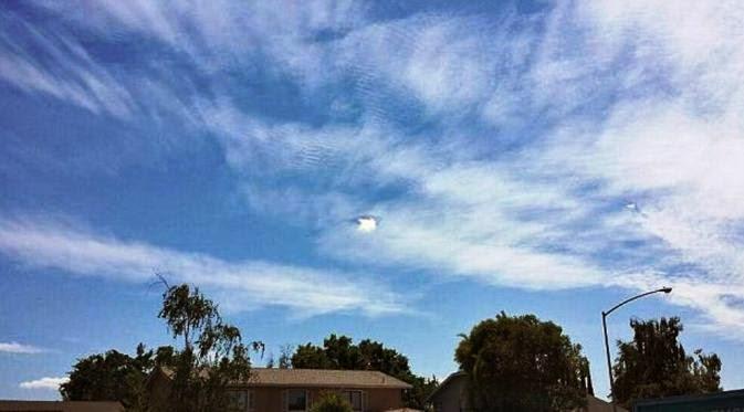 Lubang Misterius di Langit California