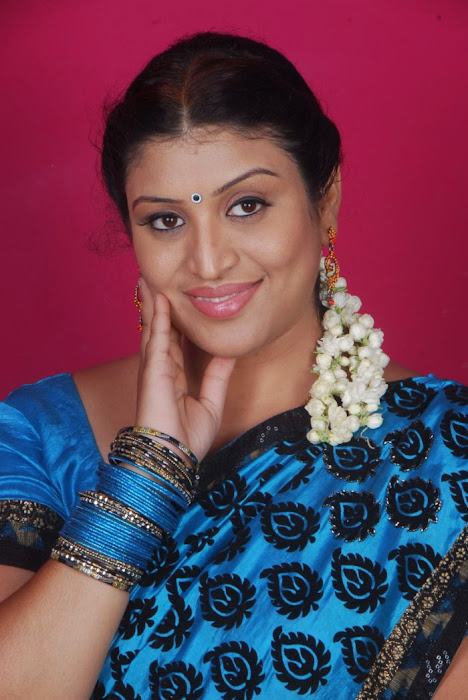 uma character artist in saree photo gallery