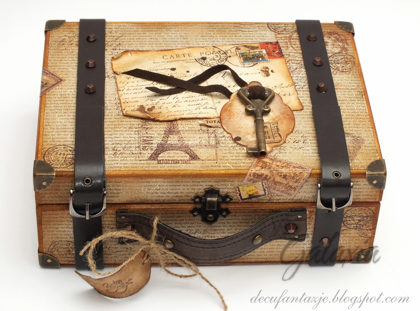 Szkatułka - retro walizka