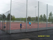 Tenniksen perusteita ja tenniksen alkeita Pirkkalan liikuntatalon tenniskentillä