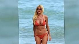 L'ancienne Playmate de l'année, Victoria Silverstedt, en bikini à Miami
