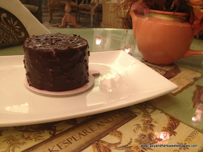 Shakespeare_and_Co chocolate_vanilla ICe cream cake