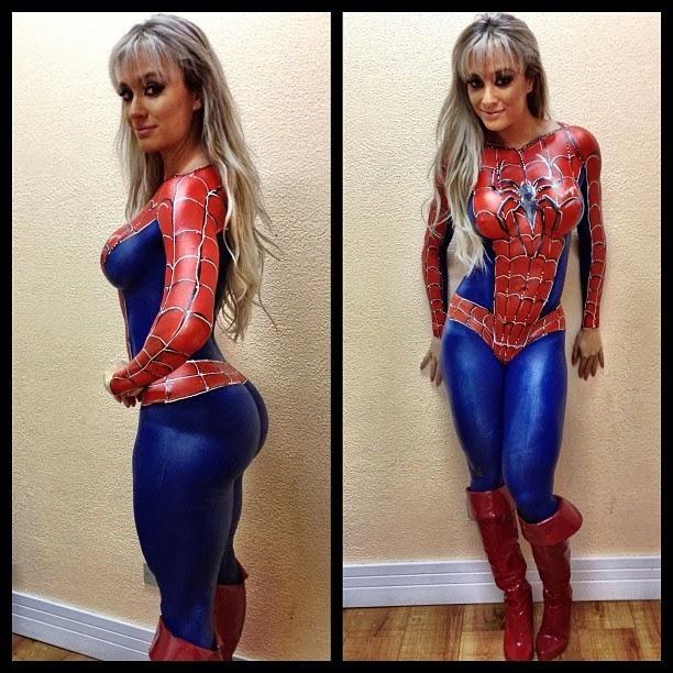 body paint de spiderman sur une femme