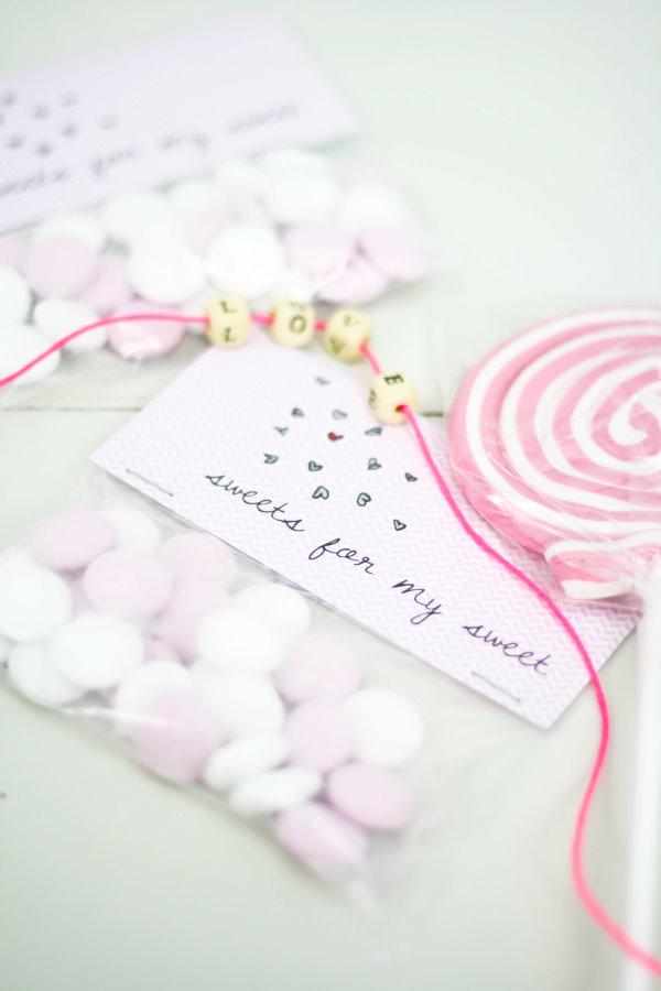 Selbstgemachte Geschenktüten zum Valentinstag