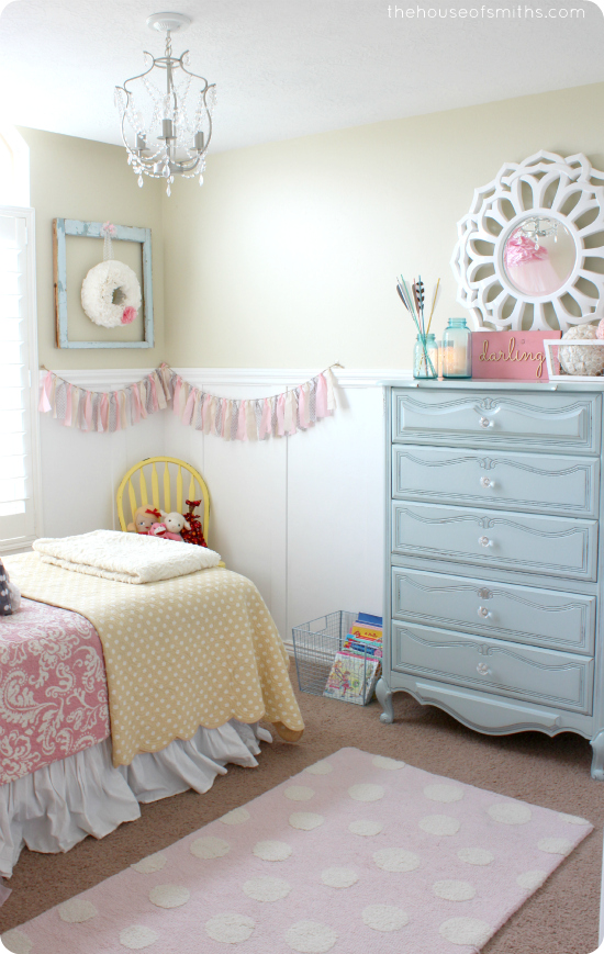 13 girly bedroom decor ideas the weekly round up the for Girly bedroom decor