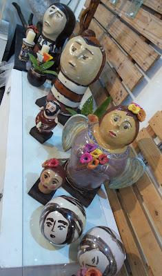 artesã; artesão; artista plástico; Iara Tenório; cerâmica e vidro; artesanato; feira; arte popular; lazer.