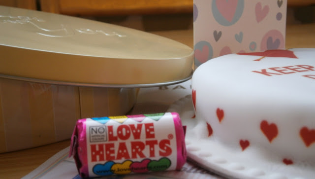 bakerdays letterbox cake valentines love heart gift