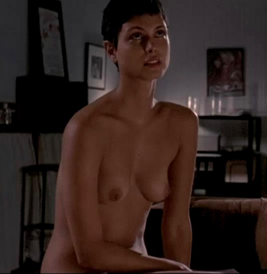porno-video-zrelie-volosatie-v-chulkah-solo