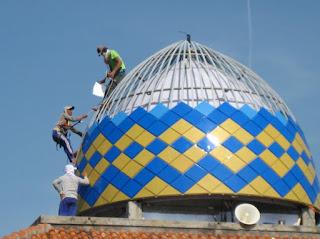 pemasangan, panel, kotak, warna-warni, kubah, masjid, mushola, plat, galvalum, powdercoting, harga, murah