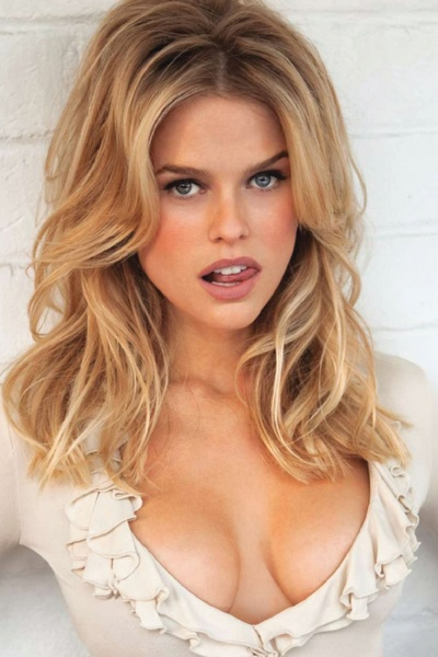 Alice Eve Played Significant Roles In Films Starter For And