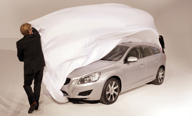 Covers come off V60 PHEV