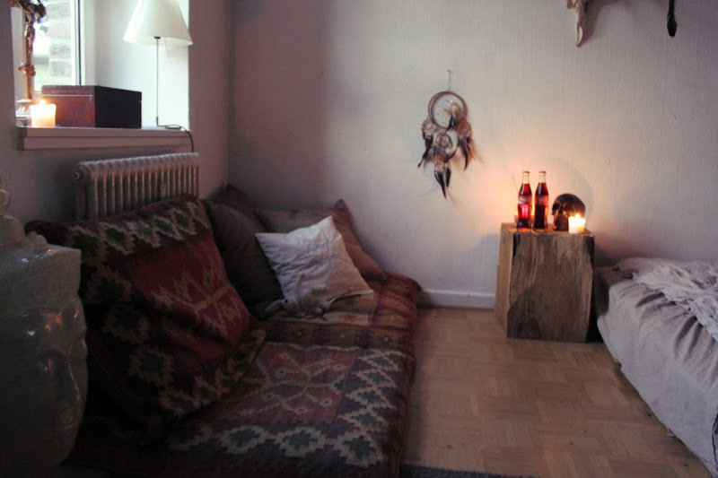 Creating a bohemian bedroom with Kilim cushions, dream catchers and  title=