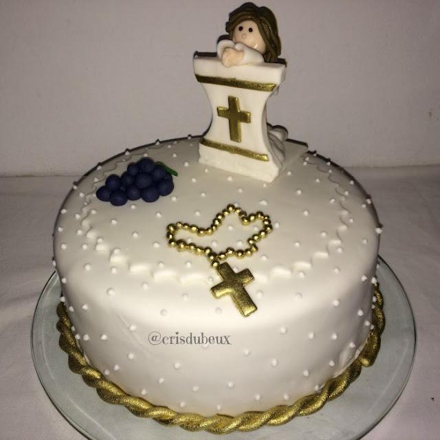 Modelos de bolos para Primeira Comunhão