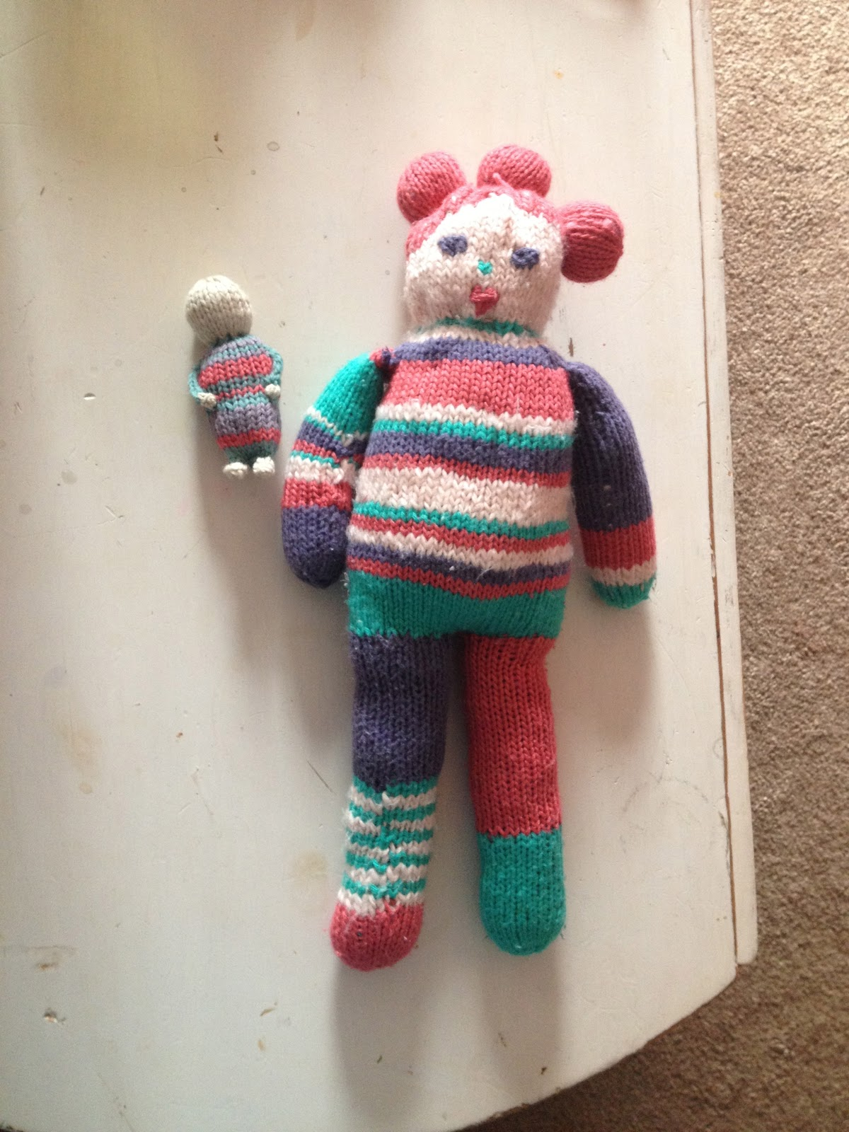Knitting Pattern For Long Legged Doll : Tiptoethrough: What Ive Been Knitting: A little baby doll