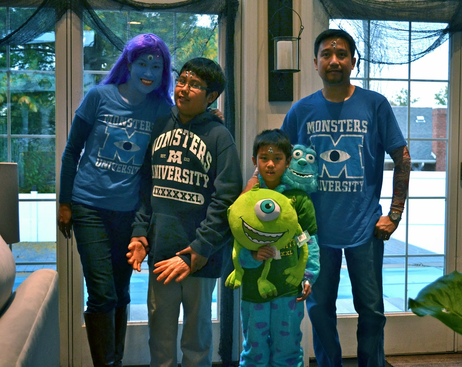 life & home at 2102: halloween costumes 2013 - monsters university
